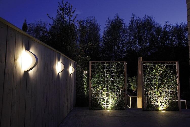 licht en sfeer in de tuin