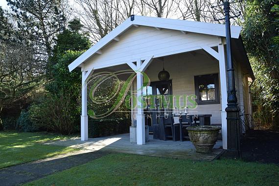 Tuinhuis met veranda