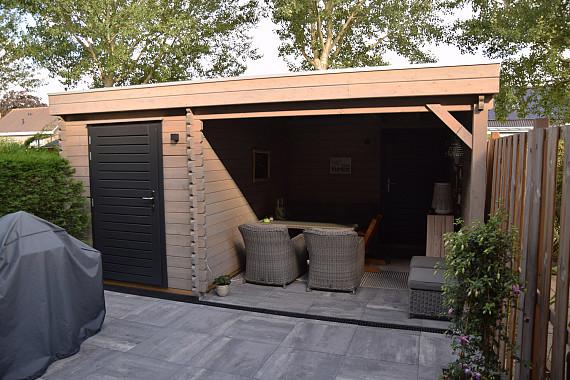 Simpele en charmante blokhut met veranda
