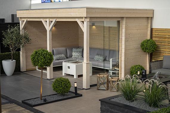 Showroom Valkenburg, veranda met glazen wand