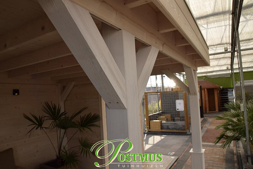 Lisse, Blokhut met veranda